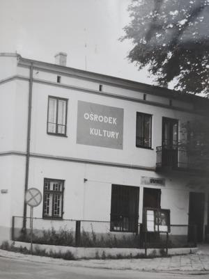 Siedziba Ośrodka Kultury w Białej Rawskiej przy ul Kościuszki [300x401]