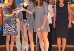 Na zdjęciu: moment wręczania nagród