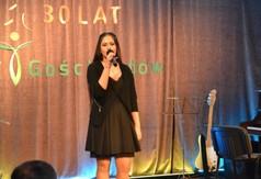 Oliwia Kuśmierz śpiewa adagio (link otworzy duże zdjęcie)